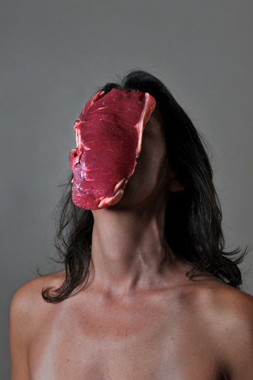 emanuela franchini photography, Steak, self portrait with food on face
