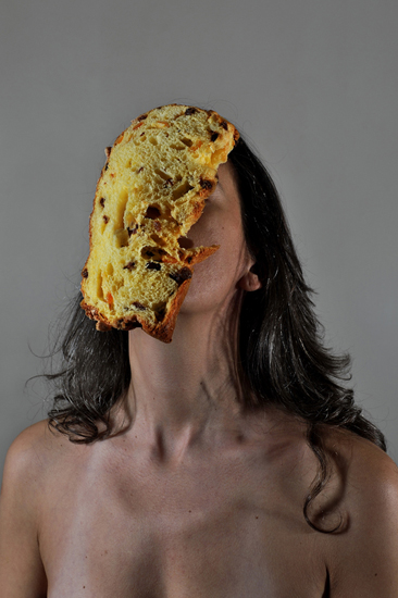 emanuela franchini photography, Panettone, self portrait with food on face